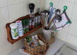 In der Küche sind ausreichend Gewürze vorhanden