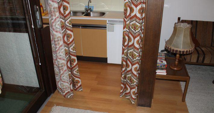 Die Küche ist klein aber vollständig ausgestattet